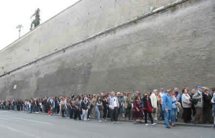 Queue at the Vatican Museum.